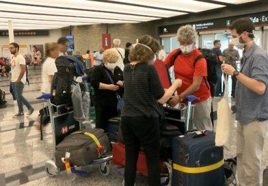 Segunda ola: cierre de fronteras, vuelos suspendidos y medidas sanitarias para viajeros