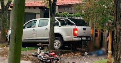 Un conductor persiguió, atropelló y mató a dos ladrones que le habían robado dinero